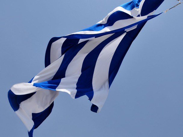 Greece must immediately begin processing license applications from foreign operators applying to offer online gaming.