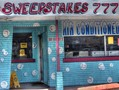 A bill banning sweepstakes internet cafes passed through a Florida Senate committee