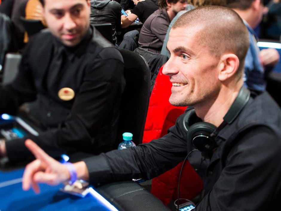 The Great Dane Gus Hansen surpassed $20 million in all-time high stakes cash game losses on Full Tilt this past week, recording another weekly nosebleed loss of over half a million. This time Hansen's weekly bill was $635,549.