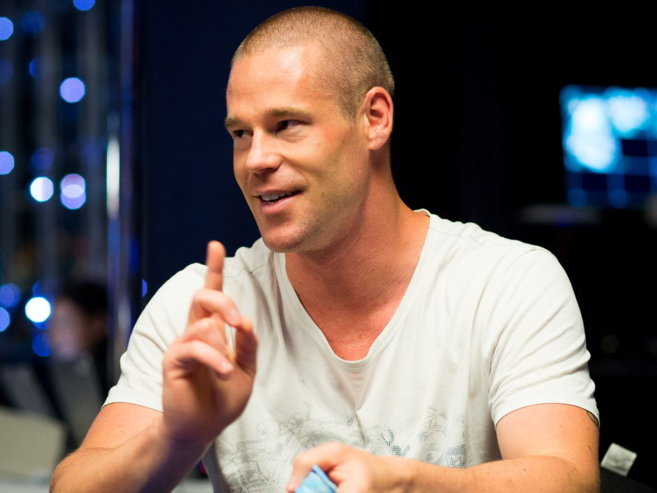 Patrik Antonius*  mowed over the high stakes online cash game tables at Full Tilt last week to walk away with nearly $432,000 in profits.