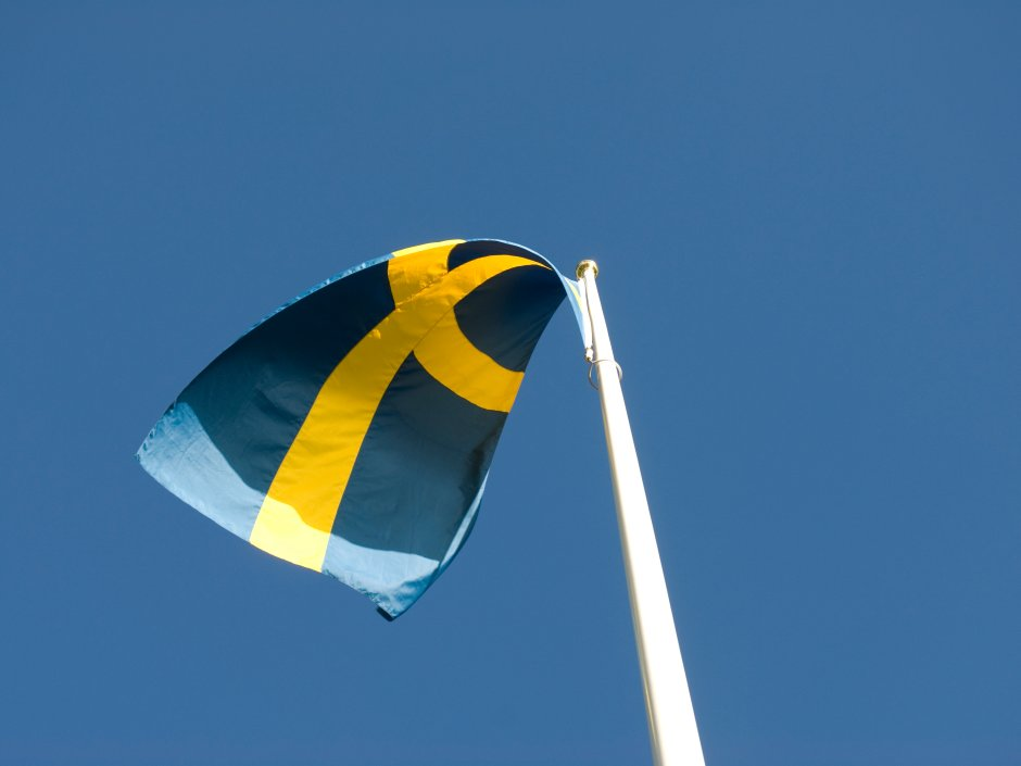 A long-awaited report into gambling in Sweden has recommended a liberalization of online gambling to allow foreign operators to apply for licenses and offer regulated igaming to Swedish players.