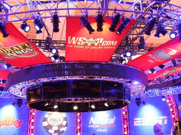 Highlight's of the day's action from the 2014 WSOP Main Event.